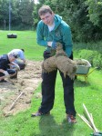 Es gab so viel Rasenkante zum abstechen, dass sogar ein Rollrasen produziert werden konnte.